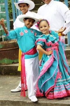 Kinder in Tracht Granada_2