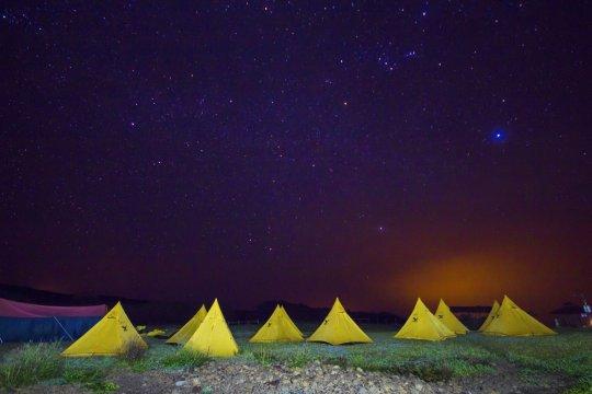Zelte unter Sternenhimmel Galapagos_2