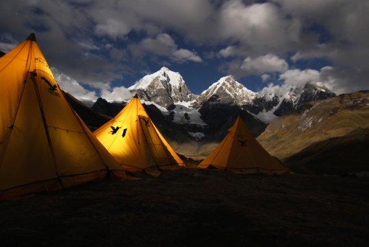 Peru Cordillera Huayhuash Lager bei Nacht