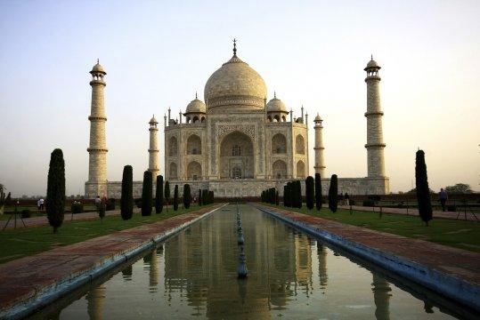 Agras berühmtestes Bauwerk, das Taj Mahal