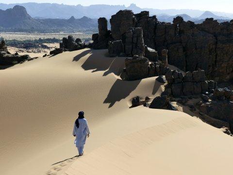 Abwechslungsreiche Wüste bei der Oase Djanet