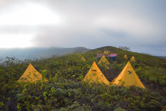 Zeltlager am Berg Galapagos_2