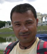 Rustam Kapali Reiseleiter-Porträt'