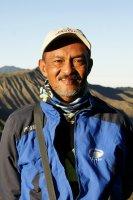 Kenny Suyitno Dunggio Reiseleiter-Porträt'