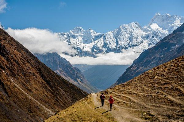 Nepal - Trekker auf der Manaslu-Runde; Foto: My Good Images/Shutterstock.com